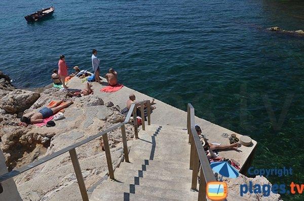 Plateforme de la plage de Maldormé à Marseille