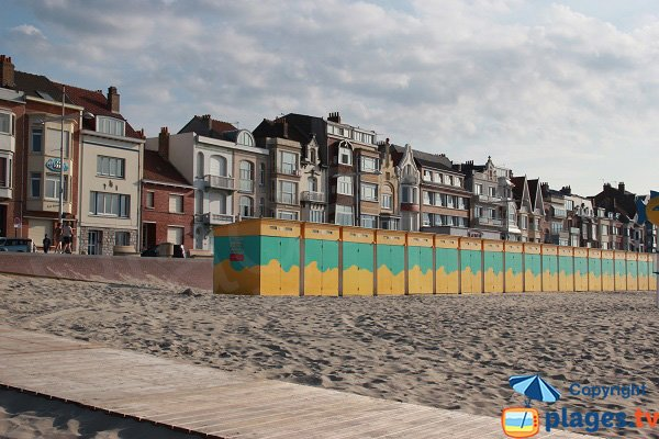 wooden ramps on the Dunkerque beach