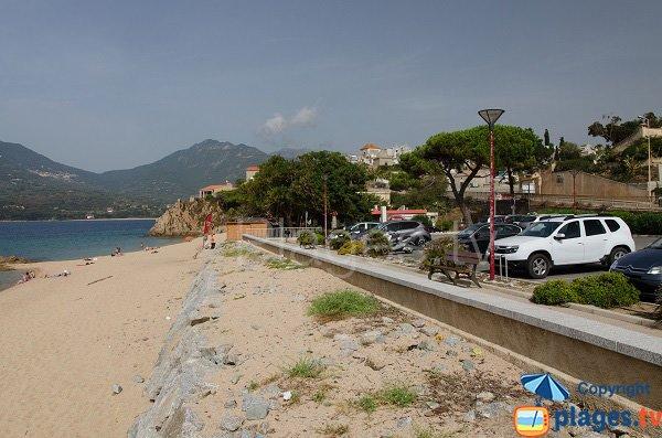 Parking le long de la plage de Mancinu - Propriano