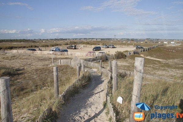 Access to Mané Guen beach in Plouharnel