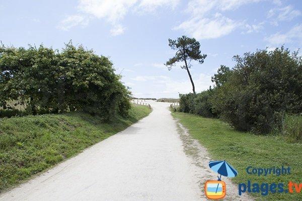 Route d'accès à la plage de Cleut Rouz - Fouesnant