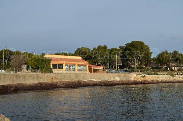 Public beach in Carry le Rouet
