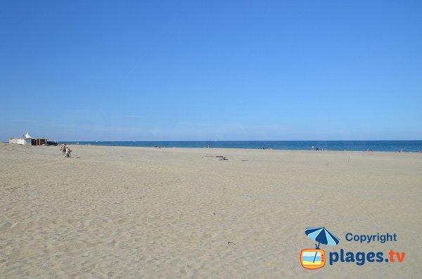 Spiaggia privata sulla spiaggia di Mar Estang a Canet en Roussillon