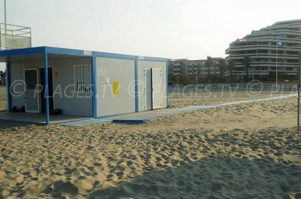 First aid station of Mar Estang beach - Canet en Roussillon