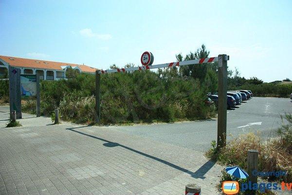 Parking de la plage du Marais Girard