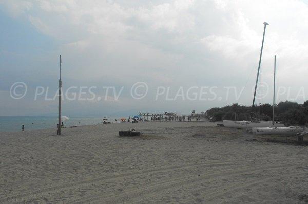 Plage privée et centre nautique sur la plage d'Oru à Ghisonaccia