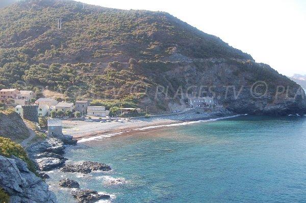 Foto di Marine Negru con la sua spiaggia di ciottoli - Cap Corse