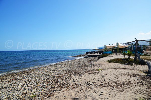 Paillote sur la plage de la Marine de Solaro - Corse
