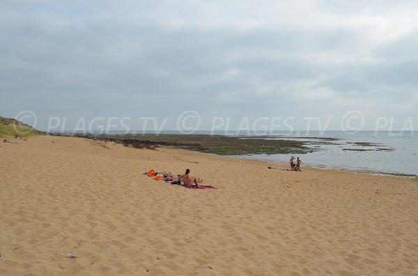 Rochers sur la plage de St Pierre d'Oléron