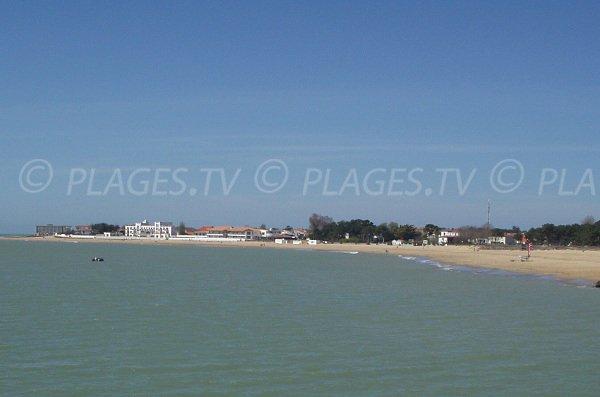 Vue générale sur la plage de Maupas et Centrale de La Tranche sur Mer