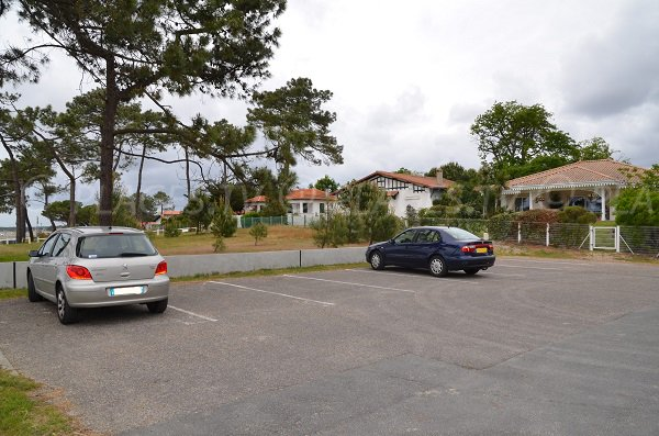 Parking sur la plage du Mauret