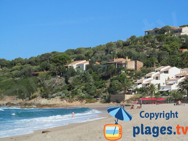 Restaurant on the Menasina beach in Cargèse