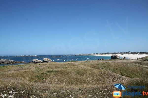 Vue sur les plages de Ménéham  depuis celle de C'hi Du - Kerlouan