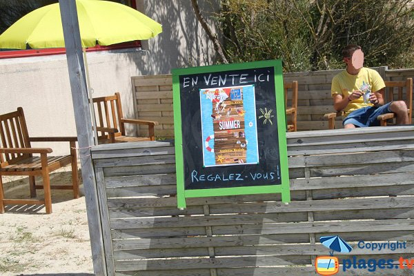 Bar sur la plage du Menhir à Plounéour-Trez