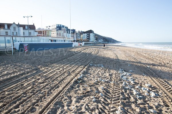Beach in the city center of Villers sur Mer
