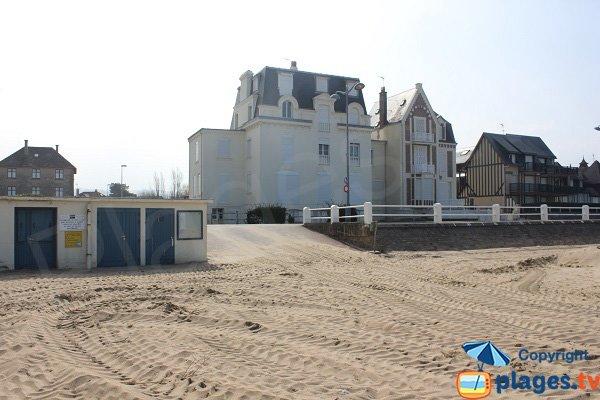 Access to Villers sur Mer beach