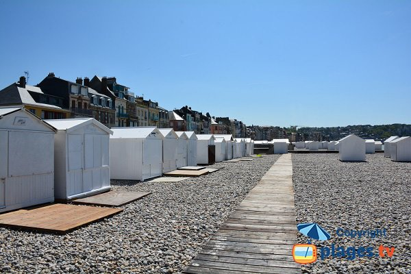 bathing huts on the beach of Mers les Bains
