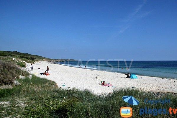 Photo de la plage Mesperleuc à Plouhinec - 29