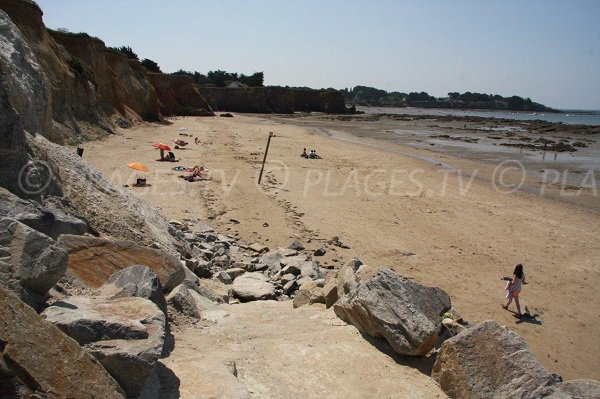 Mine d'Or beach and view on point of Loscola - Morbihan