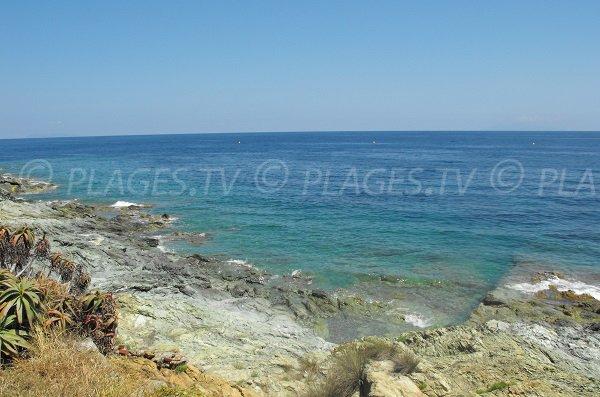 Rochers autour de la plage du Minelli à Ville-di-Pietrabugno en Haute Corse