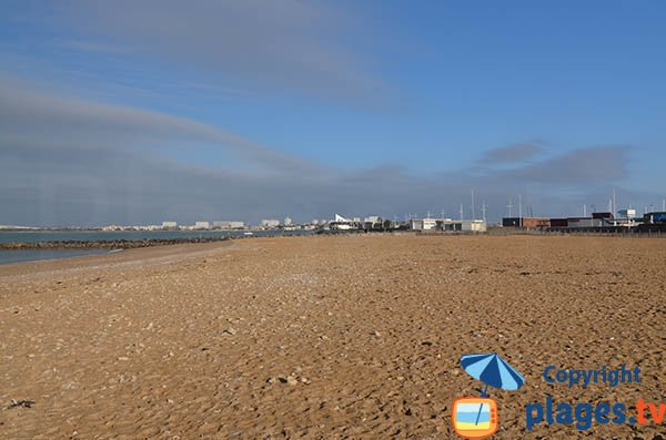 Plage de sable au sud de La Rochelle