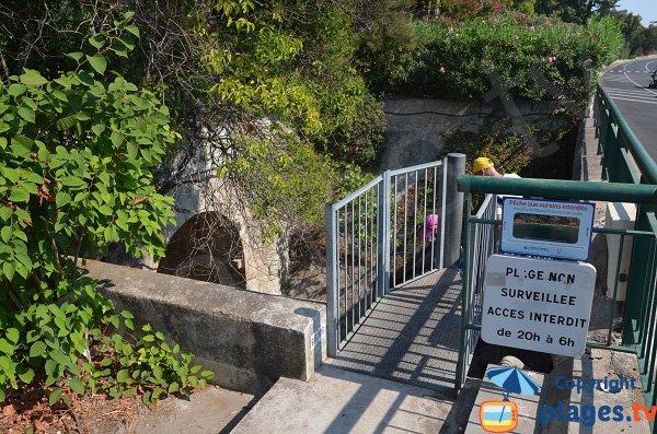 Escaliers de la plage de la Mirandole à Vallauris