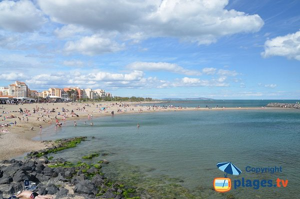 Foto spiaggia del Mol del Cap d'Agde e vista di Mont-clair
