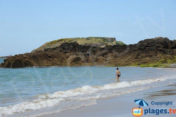 Rocks on the Mole beach - St Malo