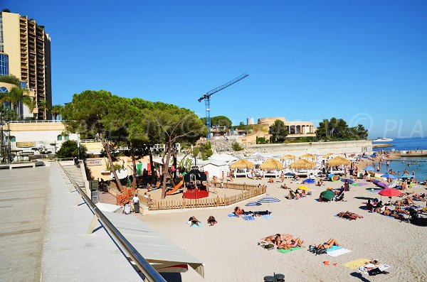 Garden for children and private beach in Monaco