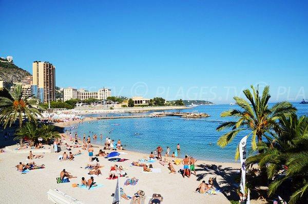 Photo de la plage de Monaco en été