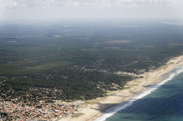 Photo of aerial south beach in Montalivet