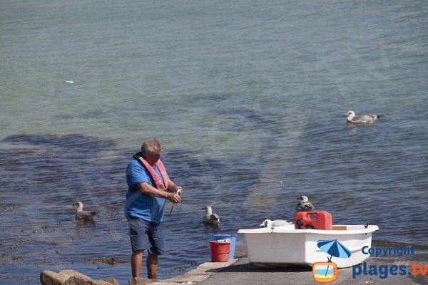 Pêche dans le port des Hopitaux - Erquy