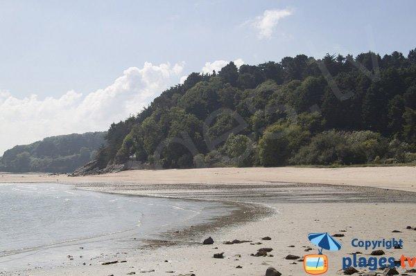 Vaste plage sauvage de sable à Erquy - Champ du Port