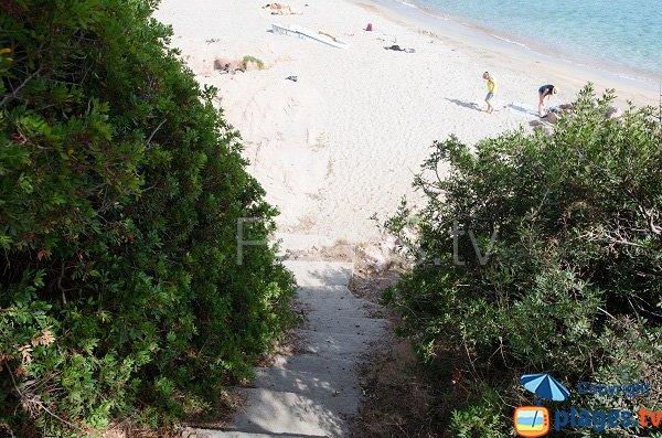 Accès à la plage de Moorea - Ajaccio