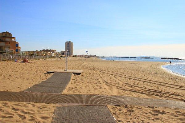tappeti sulla spiaggia di Valras