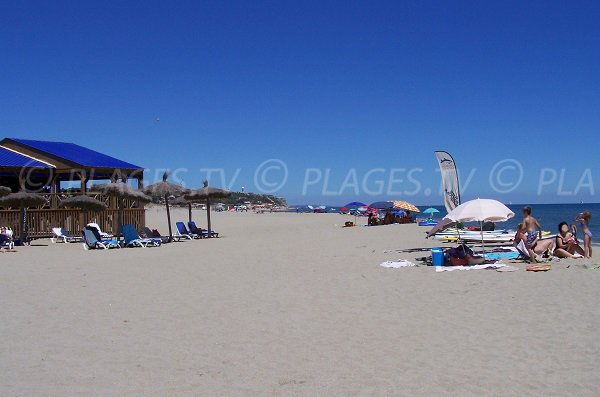 Paillote sur la plage du Mouret à Leucate