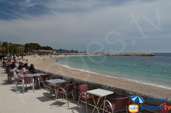 Photo of Mourillon beach and restaurants - Toulon