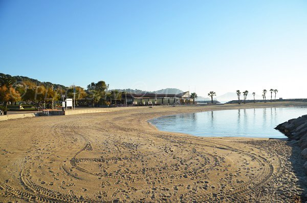 Sand beach in Toulon - Mourillon