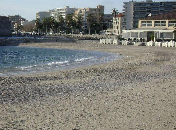 Mourillon beach - Anse Mistral in Toulon