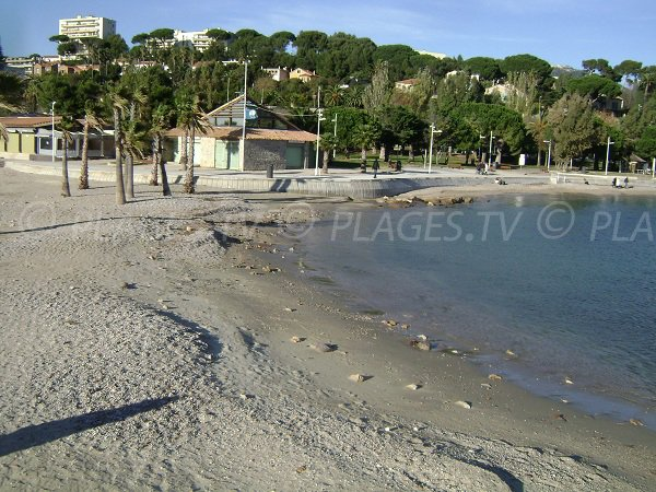 Environnement de l'anse des Pins à Toulon