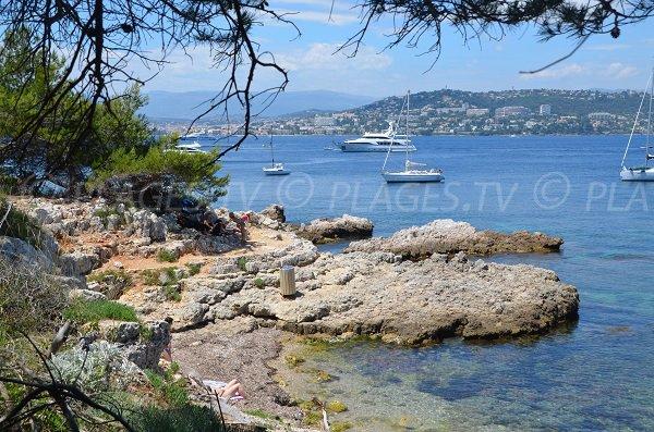 Plage sur l'ile de Ste Marguerite - Les Myrtes