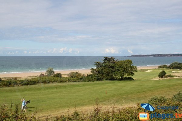 Golf of Pléneuf Val André and its beach