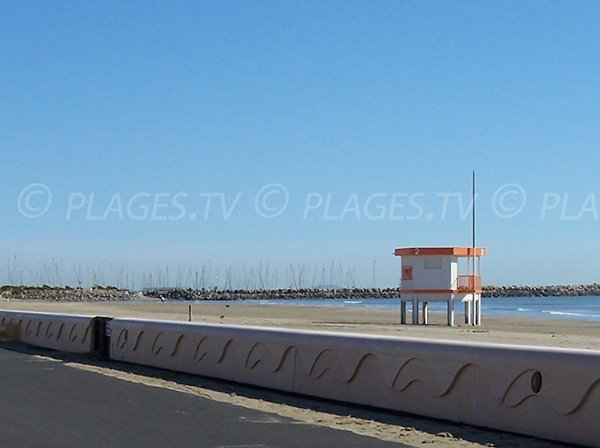 Lifeguard station in Narbonne