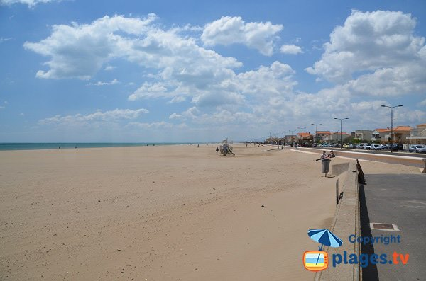 Photo of the Central beach in Narbonne - France