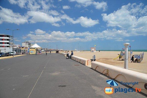 Plage terrasses de la mer narbonne plage 11 aude - Hotel narbonne plage avec piscine ...