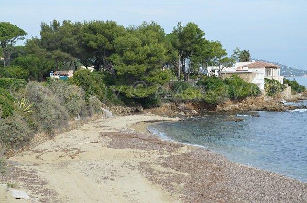Untamed beach in Sainte-Maxime - Nartelle