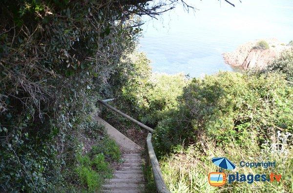 L'accesso alla calanque di Cap Roux - Agay