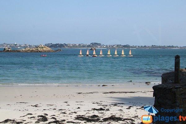 Vue depuis la plage naturiste de Roscoff