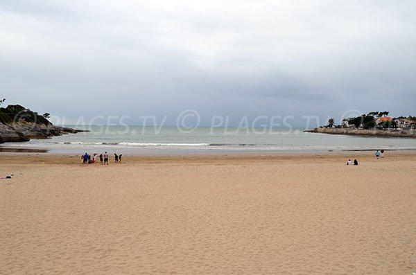 Overview of Nauzan beach in Saint Palais sur Mer