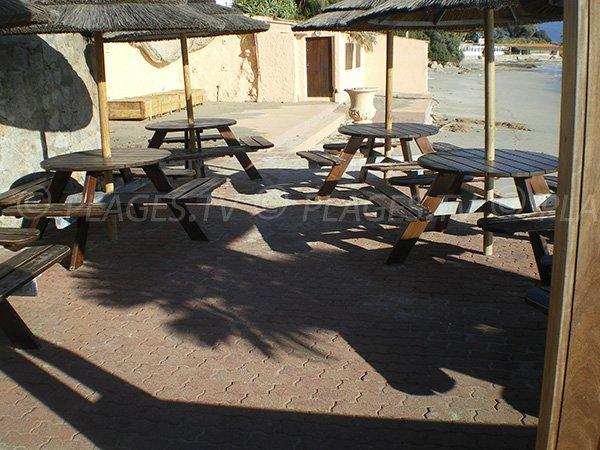 Terrasse de la plage privée Neptune à Ajaccio